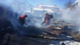 Artvin'de ahır yangını: 27 hayvan telef oldu