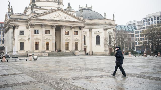 Almanyada son 24 saatte binden fazla ölüm