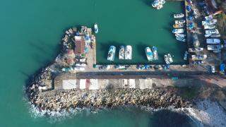 Batı Karadenizli balıkçıların hamsi avı için bekleyişleri sürüyor