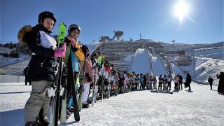 Palandöken'in simgesi kayakla atlama kuleleri her mevsim sporculara ev sahipliği yapıyor