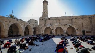 Gazze'de haftalar sonra ilk cuma namazı kılındı