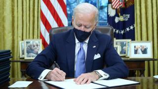 Biden'dan 'ırkçılıkla mücadele' kararnameleri