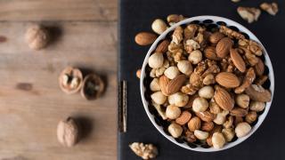 Araştırma: Kabuklu yemiş tüketmek bunama riskini azaltıyor