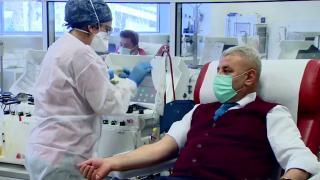 Türk Kızılay'a 22 yılda 60 kez kan bağışı yaptı