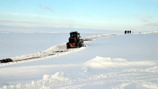 Vanda 84 yerleşim yerinin yolu ulaşıma kapandı