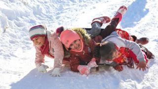 Malatya'da çocuklar karın keyfini böyle çıkardı