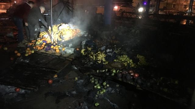 Kapalı pazar yerinde yangın çıktı
