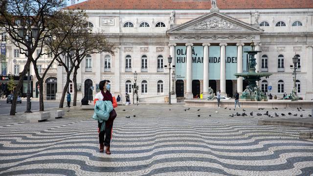 Portekizde okullar salgın nedeniyle 2 hafta kapatılacak