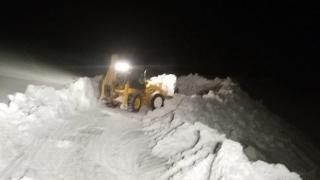 Van-Ağrı kara yolunda ulaşıma kar engeli
