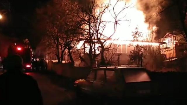 Amasyada yanan ev kullanılamaz hale geldi