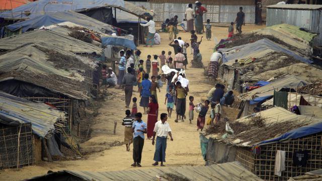 Myanmarda cunta karşıtı sivil hükümet, Arakanlı Müslümanlardan özür diledi