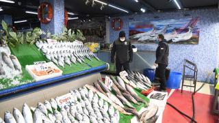 Kayseri'de turna balığı satan işletmeye para cezası