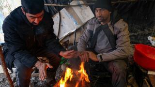 Bosna Hersek'teki göçmenlerin dondurucu soğukta yaşam mücadelesi