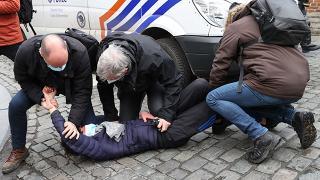 Brüksel'de ırkçılık ve polis şiddeti karşıtı protesto