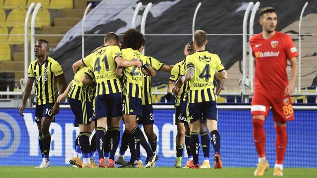Fenerbahçe üç puanı 3 golle aldı