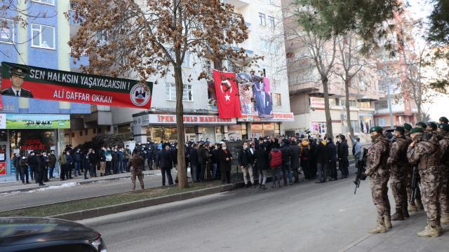 Diyarbakırda şehit edilen Gaffar Okkan ve polis memurları törenle anıldı
