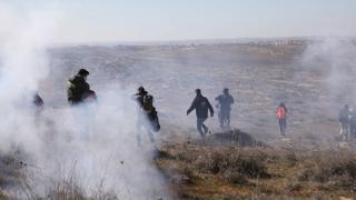 İsrailli Yahudi yerleşimciler, Filistinli göstericilere saldırdı