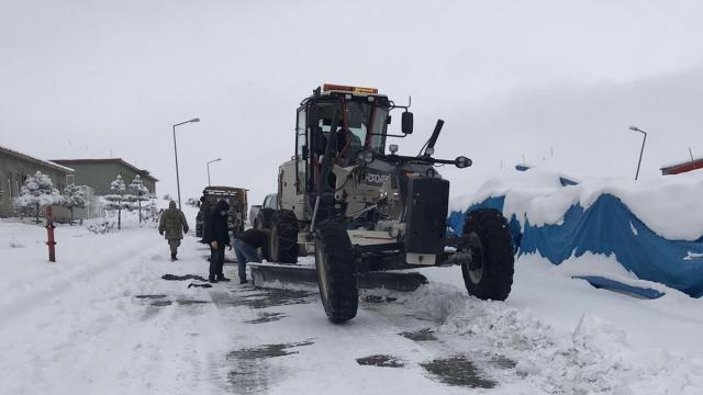 Iğdırda kapanan köy yolları ulaşıma açıldı