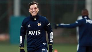Mesut Özil ilk antrenmanına çıktı