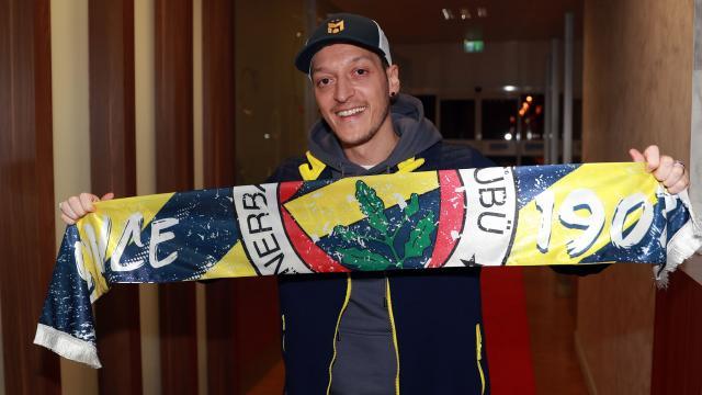 Mesut Özil imzayı yarın atacak