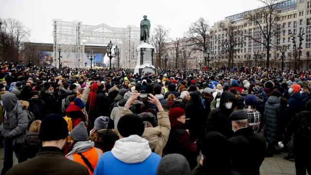 Rusyada binlerce kişi, Navalnıyın tutuklanmasını protesto etti
