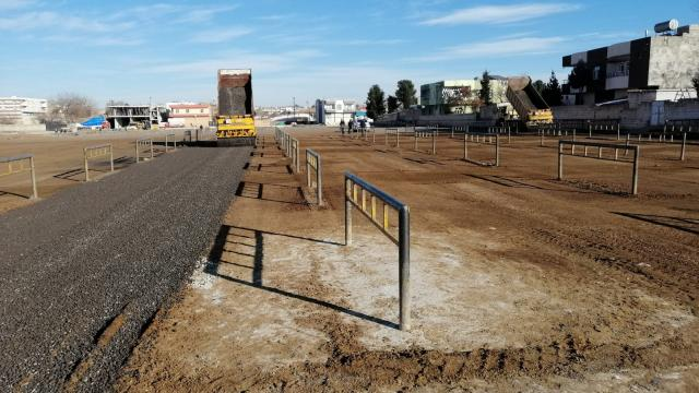 Viranşehirde canlı hayvan pazarında zemin düzenlemesi yapıldı