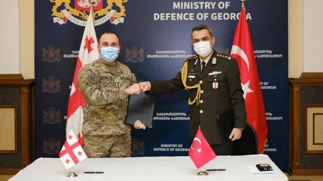 Türkiyeden Gürcistan ordusuna ekipman desteği
