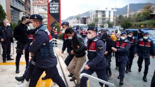 Antalya'da uyuşturucu operasyonu: 20 zanlı adliyeye sevk edildi
