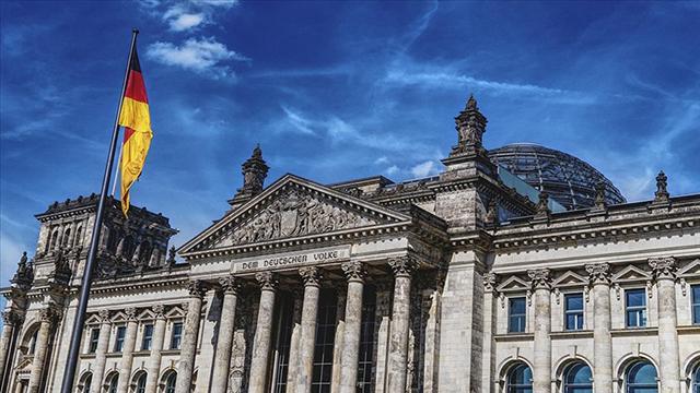 Kassel Valisini öldüren Neonazi Ernste ömür boyu hapis cezası