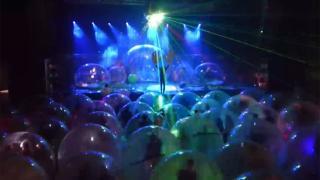 Virüse karşı 'konser balonu'