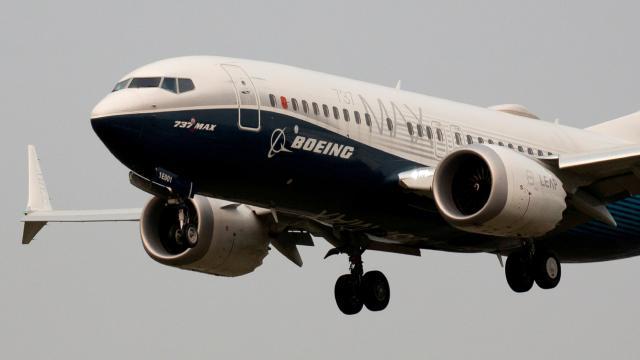 ABDde Boeing 737 Max tipi yolcu uçağı acil iniş yaptı