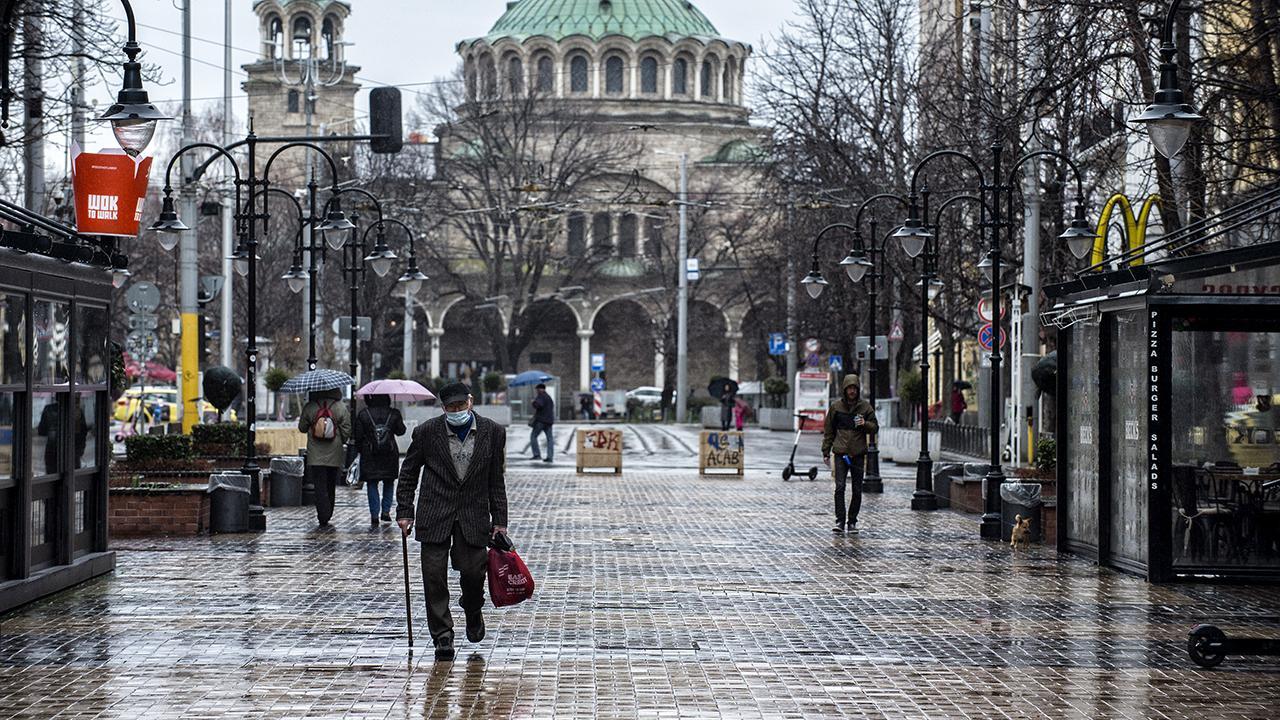 Bulgaristan'da salgın önlemleri gevşetiliyor