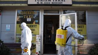 Fatih'te taksiler ve taksi durakları dezenfekte edildi