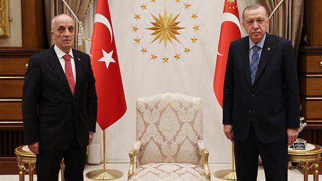 Cumhurbaşkanı Erdoğan, Türk-İş Genel Başkanı Atalayı kabul etti