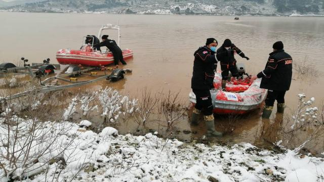 Çanakkalede gölete düşen araçtaki 1 kişinin cansız bedeni bulundu