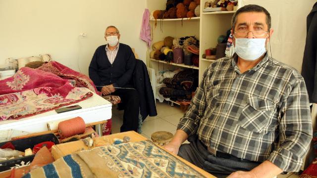 52 yıldır Türkiyenin dört bir yanına halı dokuyorlar