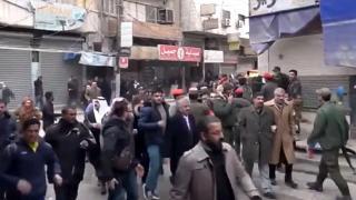 Haseke'de teröristler sivilleri silahla dağıttı