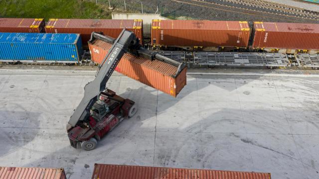 Türkiyeden Rusyaya ilk ihracat treni yarın yola çıkıyor
