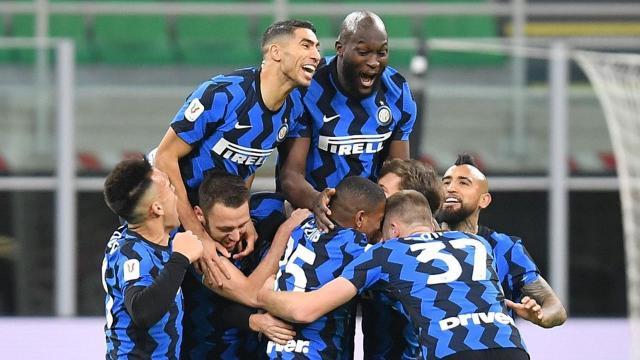 Inter, Milanı geçerek yarı finale kaldı