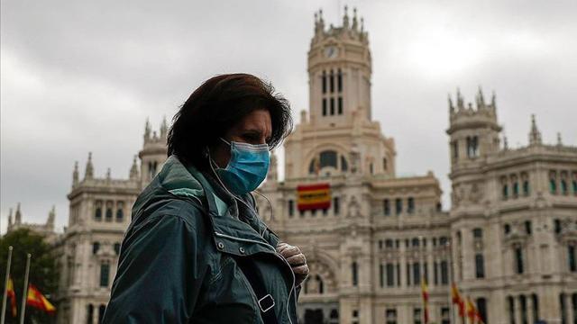 İspanyada maske takmak zorunlu oldu