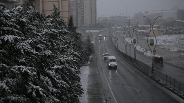 Trakyada kar yağışı etkili oluyor
