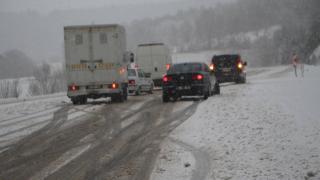Tokat- Sivas yolu ağır tonajlı araçların geçişine kapatıldı