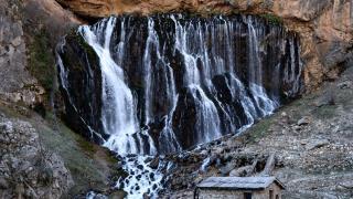 'Türkiye'nin Niagarası' eşsiz manzaralar sunuyor