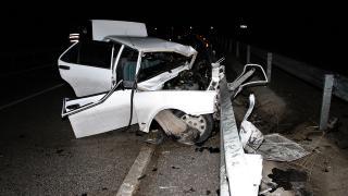 Ters yöne giren araç kamyonla çarpıştı: 1 ölü, 1 yaralı