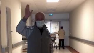64 yaşındaki COVID-19 hastası 79 gün sonra taburcu oldu