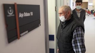 75 yaş üzerindeki kişilerin aşılanmasına başlandı