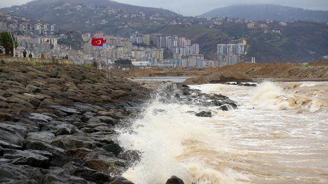 Trabzona kuvvetli rüzgar uyarısı