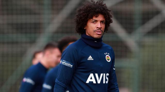 Fenerbahçeli futbolcu Luiz Gustavonun oğlu oldu
