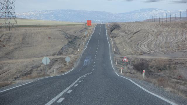 Nallıhanda yapılacak 28 kilometrelik yolun ihalesi gerçekleştirildi
