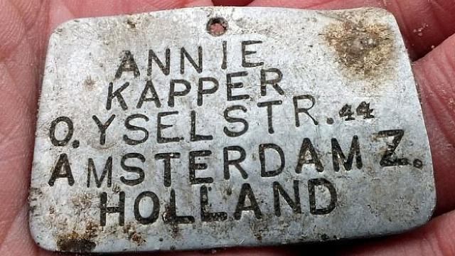 Nazi kampında 4 çocuğa ait isim künyesi bulundu
